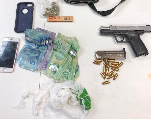 Police allegedly find handgun, drugs during traffic stop in Orillia