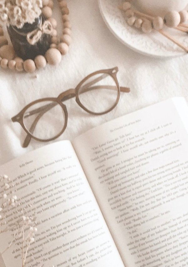 2021 POPSUGAR READING CHALLENGE & RCOMMENDATIONS