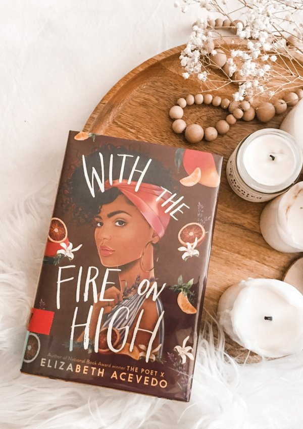 With the Fire on High by Elizabeth Acevedo / A heart-warming and uplifting YA novel that made me HUNGRY!!