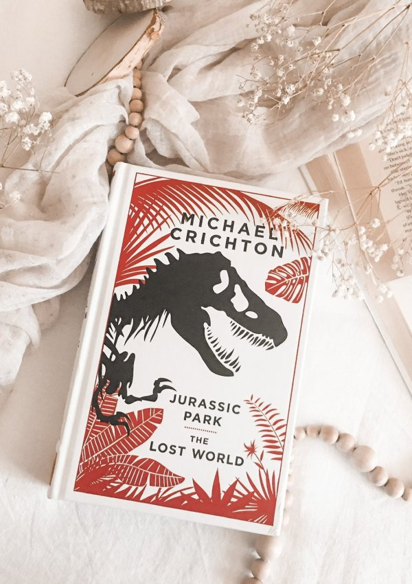 Jurassic Park by Michael Crichton / even more enthralling than the movie