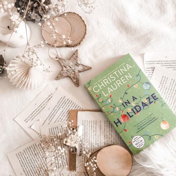 Book Review: In a Holidaze by Christina Lauren / the perfect holiday novel