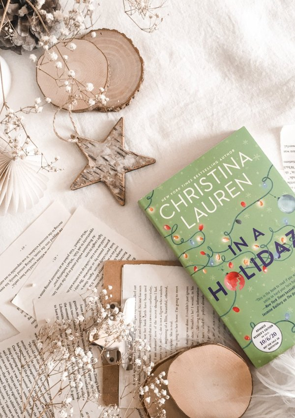 In a Holidaze by Christina Lauren | BOOK REVIEW | the perfect holiday novel