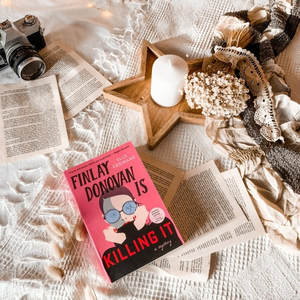 Finlay Donovan Is Killing It by Elle Cosimano | BOOK REVIEW