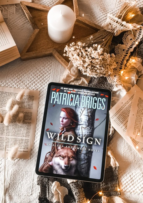 Wild Sign by Patricia Briggs   | BOOK REVIEW |(Alpha & Omega, #6)