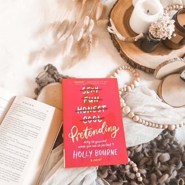 Pretending by Holly Bourne | AUDIO REVIEW