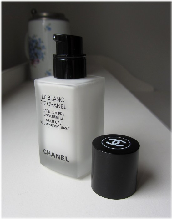 Chanel Le Blanc de Chanel bottle