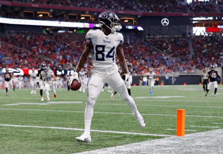 corey davis scores a touchdown against the Atlanta Falcons