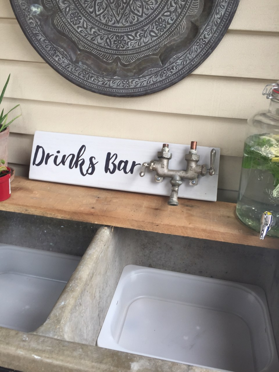 Diy Drinks Bar sign from The BuNGALOW Edit