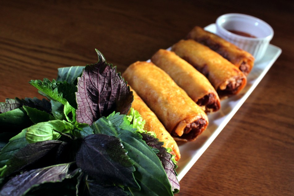 Vietnamese-Pork-and-Seafood-Spring-Roll3