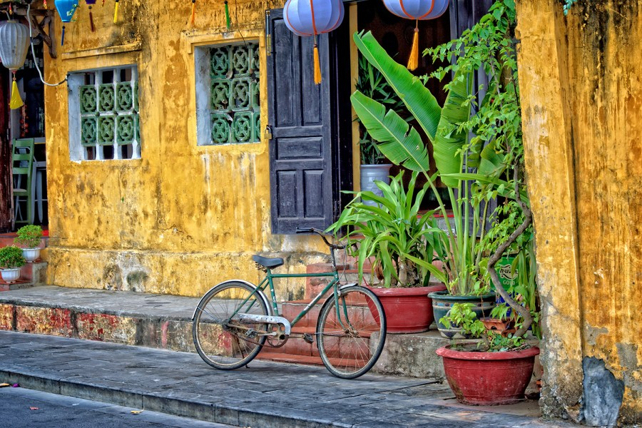 Lonely Planet Vietnam More Than 20 Years On. A Journey Back Through Time