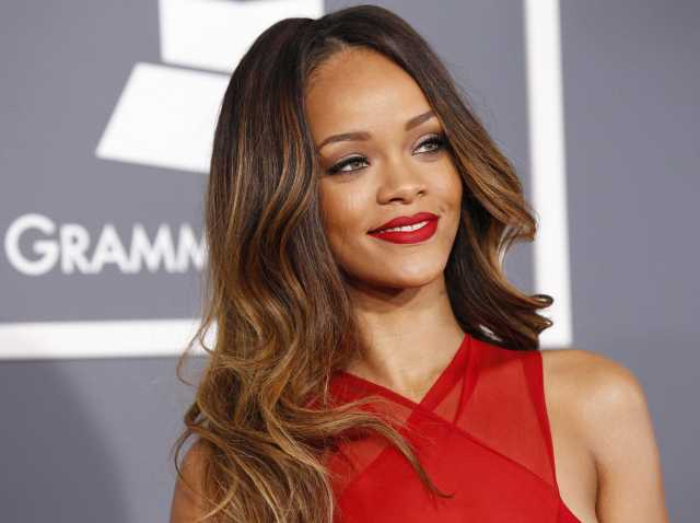 Bajan superstar Rihanna Fenty won a lawsuit against British retailer Topshop.  (PHOTO CREDIT: Google Images)