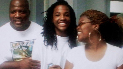 Kendrick Johnson, 17 and his parents.  (Google Images)