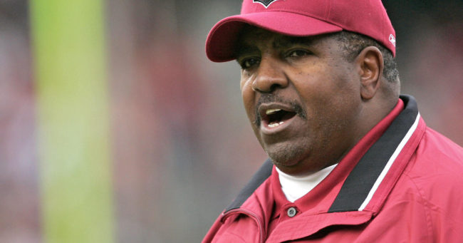 Trailblazing NFL coach Dennis Green has died at 67. (Photo: Google Images)