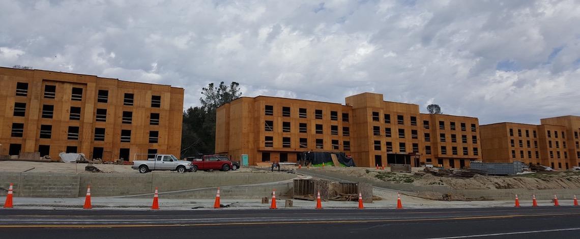 oakhurst hotels