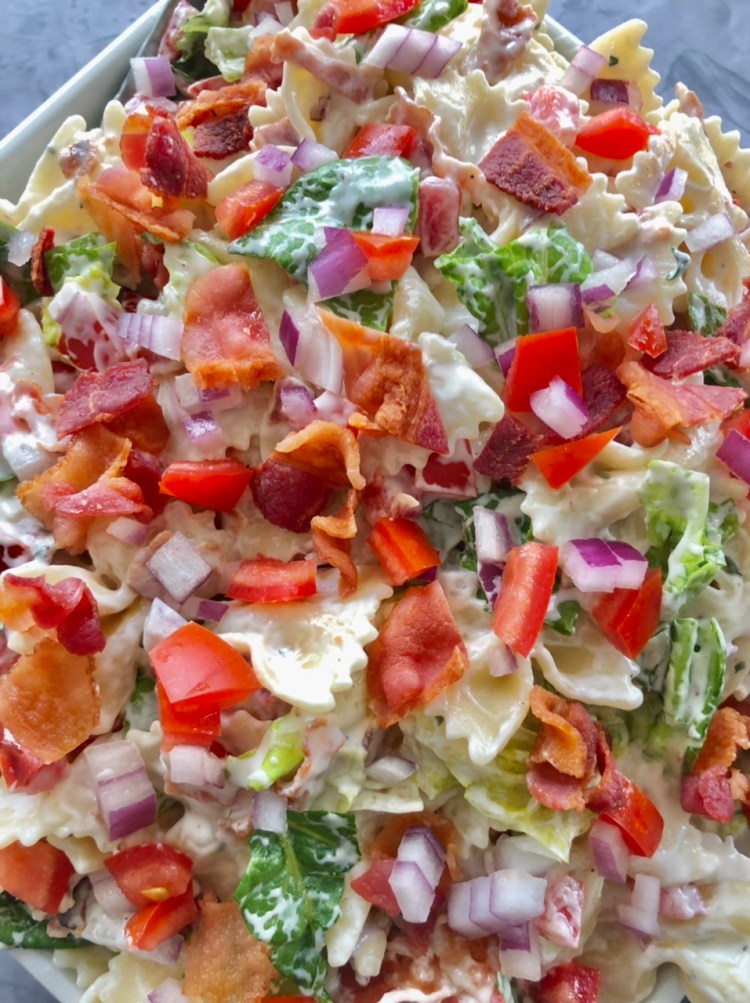 close up shot of the easy BLT salad ready to eat