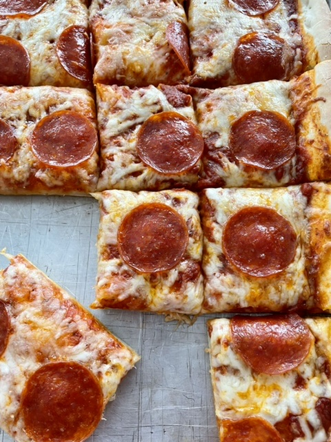 sliced sheet pan pizza