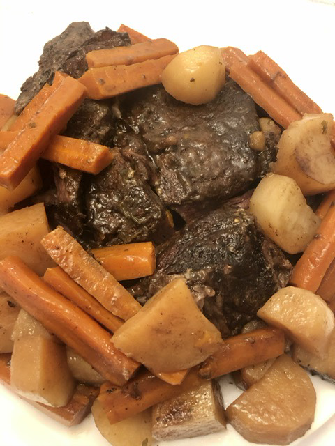 beef roast with potatoes and carrots