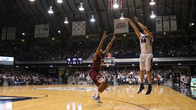 Kellen Dunham scored 32 points on Saturday, tying his career high. (Photo by Amy Street)