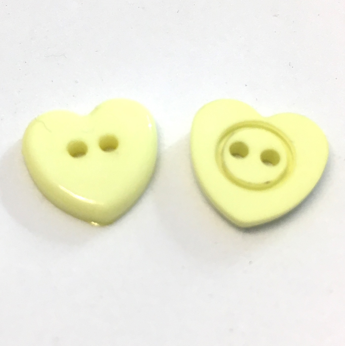 10 x 14mm yellow heart shaped buttons