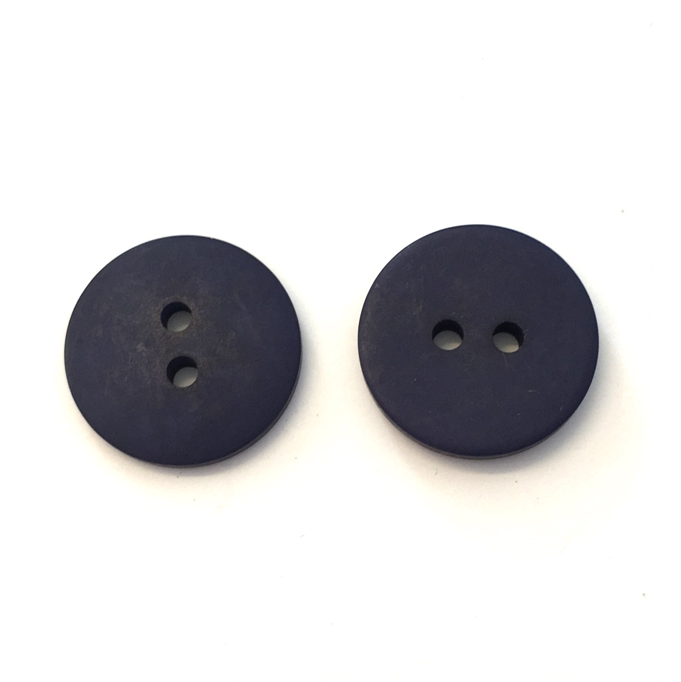 TWO HOLE BUTTONS SIZE 15mm BLACK 19mm AND 22mm RED WHITE CREAM NAVY