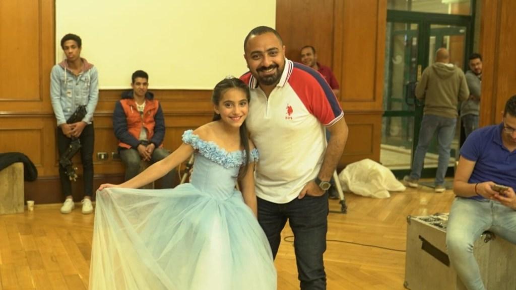 الطفلة حلا هاني التي تقوم بدور ابنة الفنانة هبة مجدي والفنان دياب وخالتها الفنانة ياسمين صبري