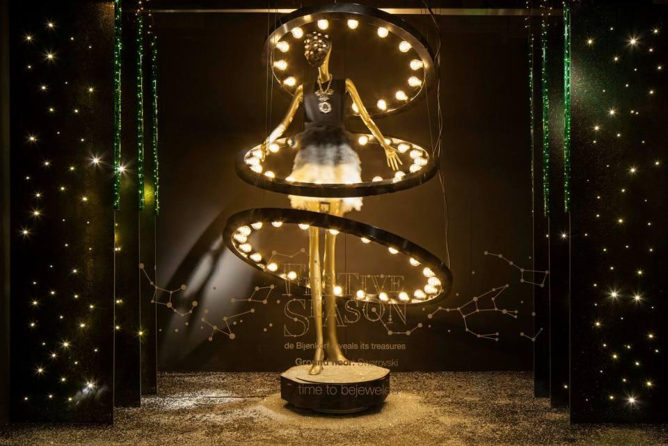 http thebwd com de bijenkorf festive season christmas window displays