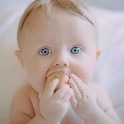 List of 10 Ways To Help a Teething Baby With Soothing Remedies