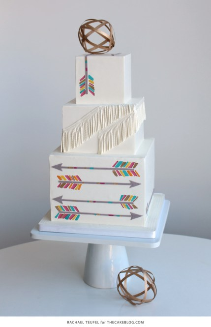 Cake Design Three Tiers White Cake Arrows Fringe White Cake Stand with Gold on Top