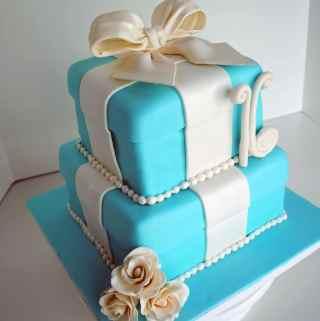 Sweet 16 Tiffany Box Cake
