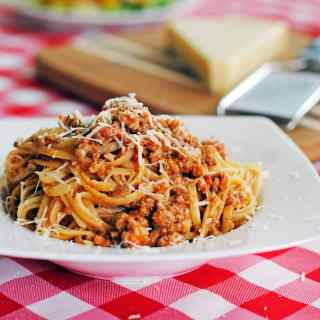 Pasta with Classic Bolognese Sauce