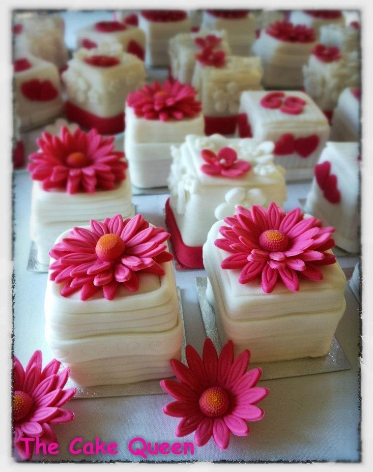 Mini tartas de limón decoradas con margaritas