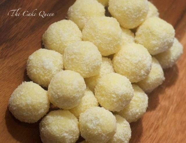 Bombones de coco, vista cenital de los bombones