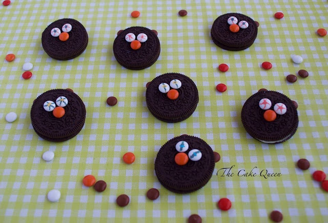 Ideas para Halloween con mini lacasitos: Galletas terroríficas, con galletas oreo y mini lacasitos