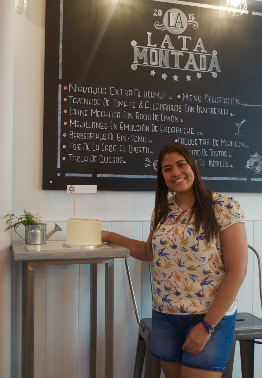 """Reunión clandestina de reposteros temática """"TARTAS SORPRESAS"""": Elena la organizadora de las reuniones clandestinas en Madrid"""