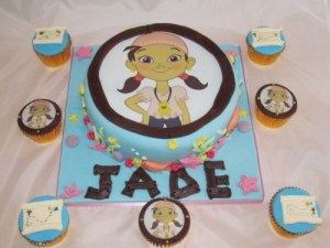 Izzy Pirate Cake and cupcakes