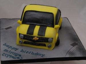 Bumblebee car cake