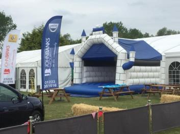 bouncy castle3