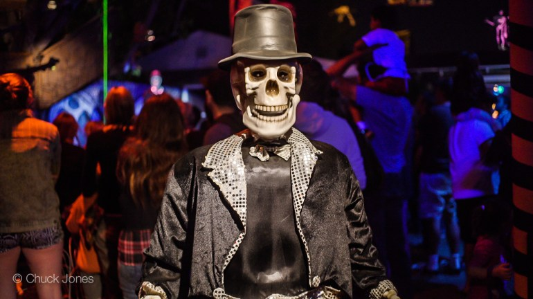The Skeletal Greeter at the entrance sure knows his stuff, and provides a rundown of what is inside
