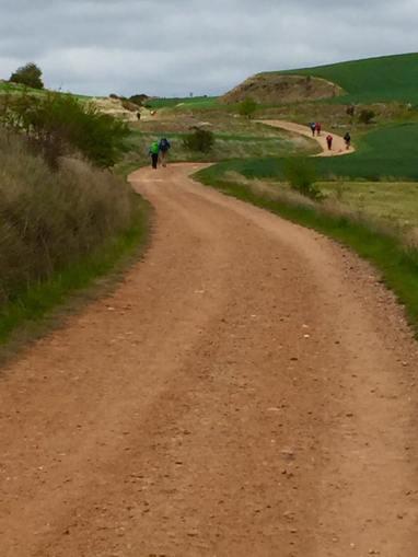 I looooveeeee these loooooong Walk paths and Pilgrims in front, behind and passing!!