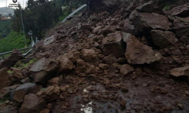 Landslides around the summits and on the north of Gran Canaria