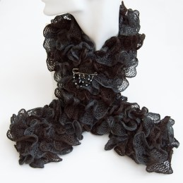 BlackRuffleScarflette2