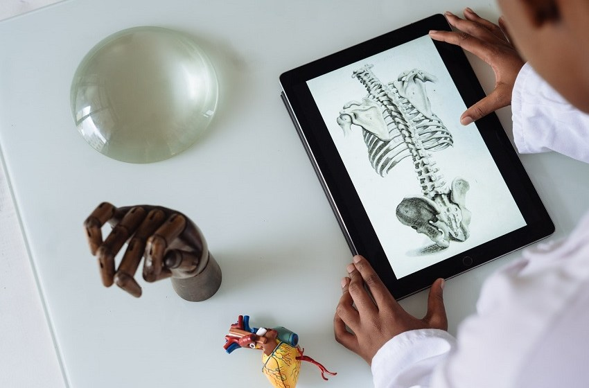 Saudi PIF bets on health-tech SPAC backed by Medtronic