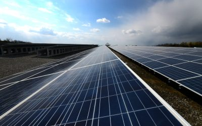 """FPL touts 12 million solar panels, 40 percent completion of """"30-by-30"""" plan"""