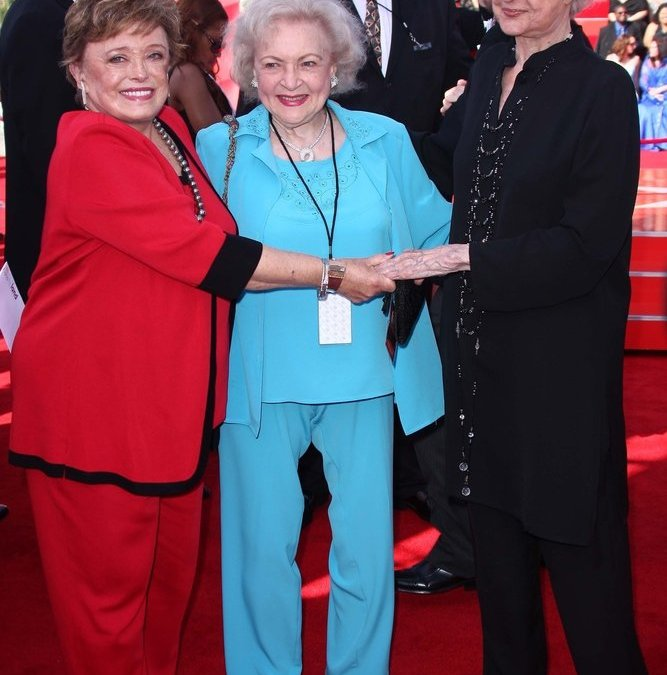 Rue McClanahan with Betty White and Beatrice Arthur at The 6th Annual 'TV Land Awards'. Barker Hangar, Santa Monica, CA. 06-08-08
