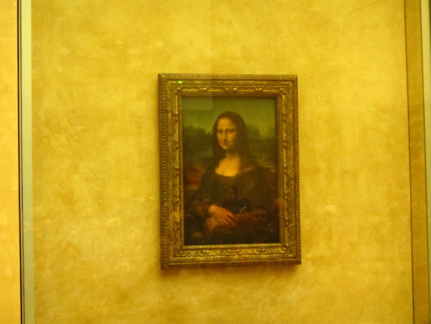 Mona lisa, mona lisa, men have named you You're so like the lady with the mystic smile.