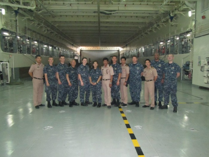 Lunch on a Thai Warship 4