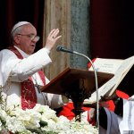 At Easter, pope calls Christians to be channels of mercy, justice and peace