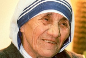 Pope Francis has approved a miracle attributed to the intercession of Blessed Teresa of Kolkata, paving the way for her canonization in 2016. Mother Teresa is seen during a visit to Phoenix, Ariz., in 1989. CNS/Nancy Wiechec