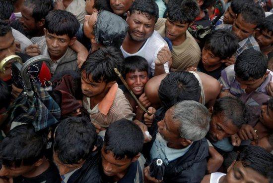 Fresh fires, bomb blast in Myanmar's Rakhine