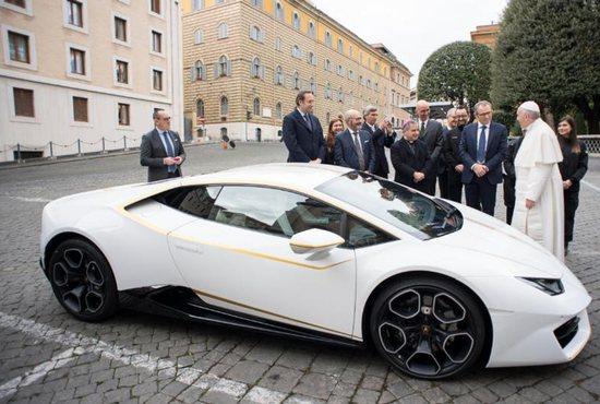 Is The New Popemobile A Lamborghini?